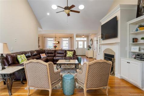 364 Classic Oaks Circle Hendersonville NC 28792
