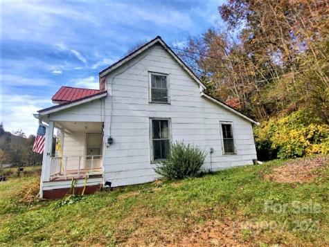 14 Old Mater Farm Road Sylva NC 28779