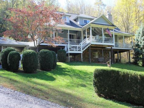 3391 Coxes Creek Road Burnsville NC 28714