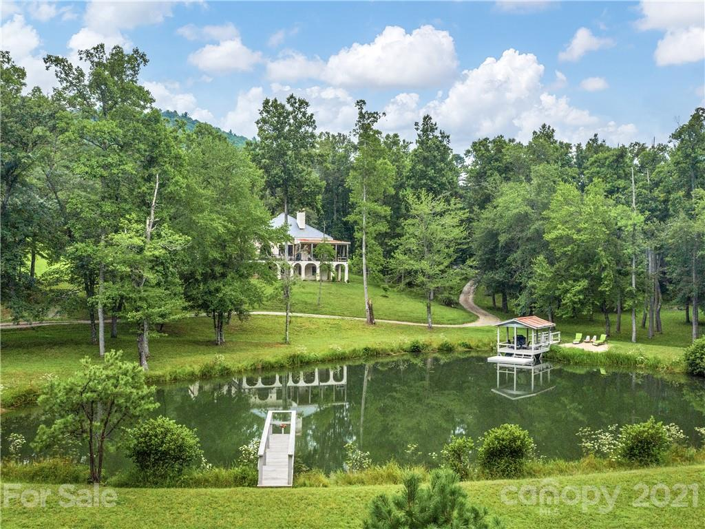 961 Dave Whitaker Road Horse Shoe NC 28742