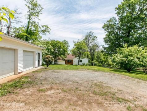 479 Riverview Drive Asheville NC 28806