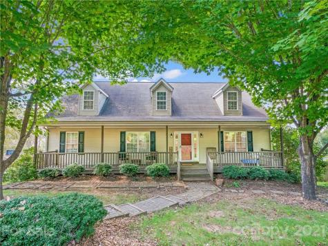 36 N Willow Brook Drive Asheville NC 28806