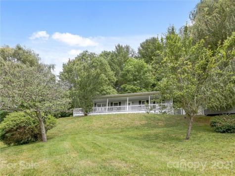 30 Settlers Ridge Road Burnsville NC 28714