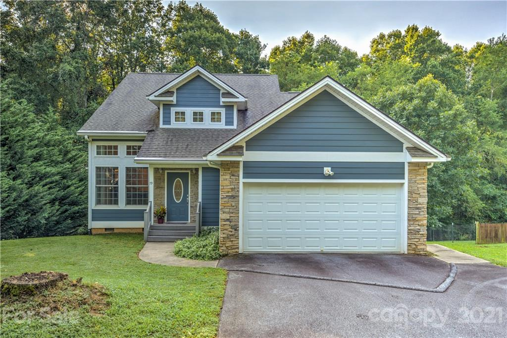 79 Noble Road Fairview NC 28730