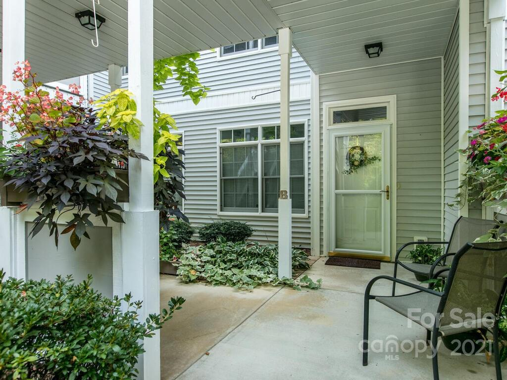 165 Ewbank Garden Drive Hendersonville NC 28791
