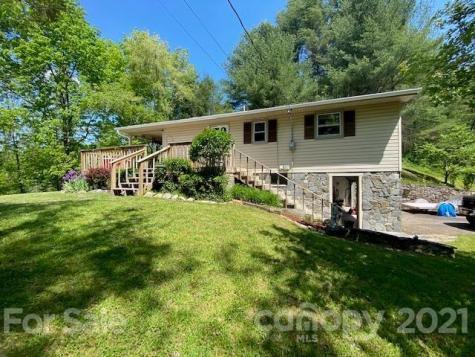 2921 Ridge Road Green Mountain NC 28740