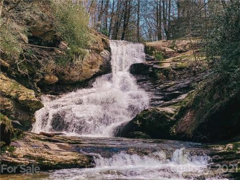 133 Oleta Falls Path Hendersonville NC 28792