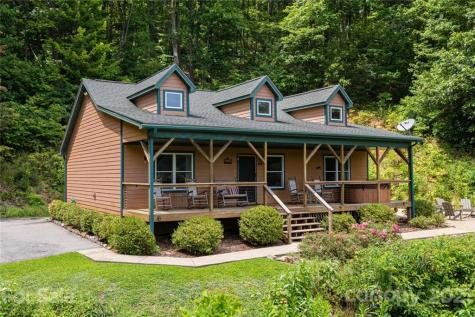 58 Dry Spring Road Candler NC 28715