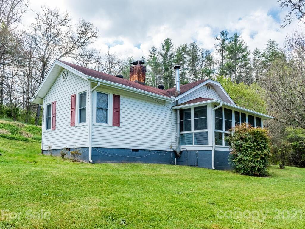 1401 New Stock Road Weaverville NC 28787