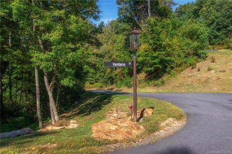 18 Villa Nova Drive Asheville NC 28804