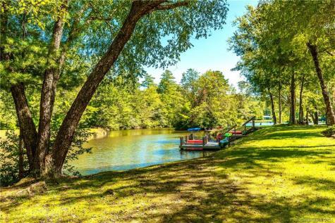 33 Lakeside Villas Court Brevard NC 28712