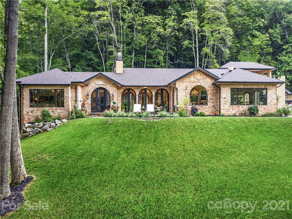 959 Dave Whitaker Road Horse Shoe NC 28742