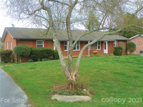 148/150 Wynnbrook Drive Hendersonville NC 28792