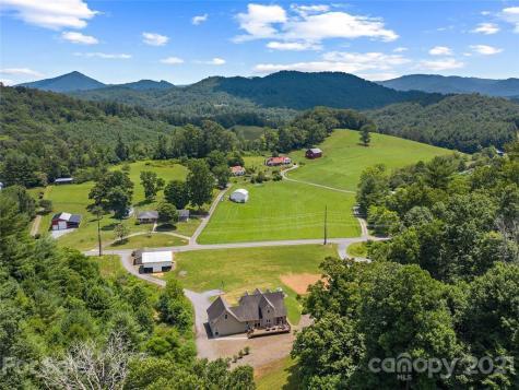 2581 Double Island Road Green Mountain NC 28740