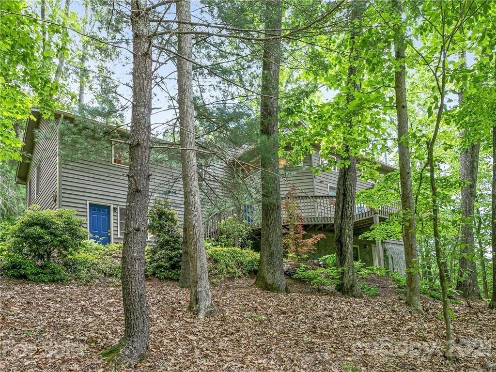 27 Gardenia Trail Fairview NC 28730