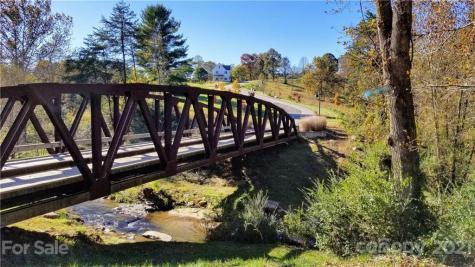 8 River Run Asheville NC 28804