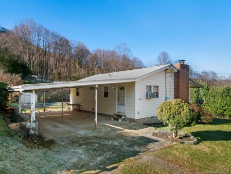 1446 Camp Branch Road Waynesville NC 28786