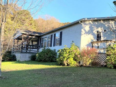 6 Carriage Lane Sylva NC 28779