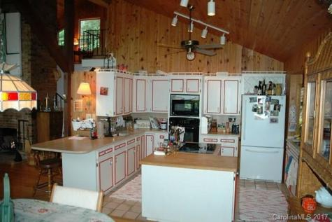 493 South Toe River Road Burnsville NC 28714