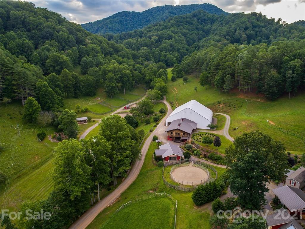 561 Piercy Road Green Mountain NC 28740