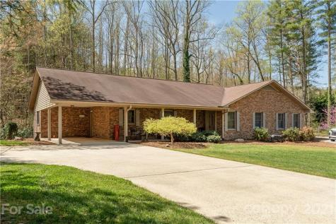 316 Benjamins Way Hendersonville NC 28792