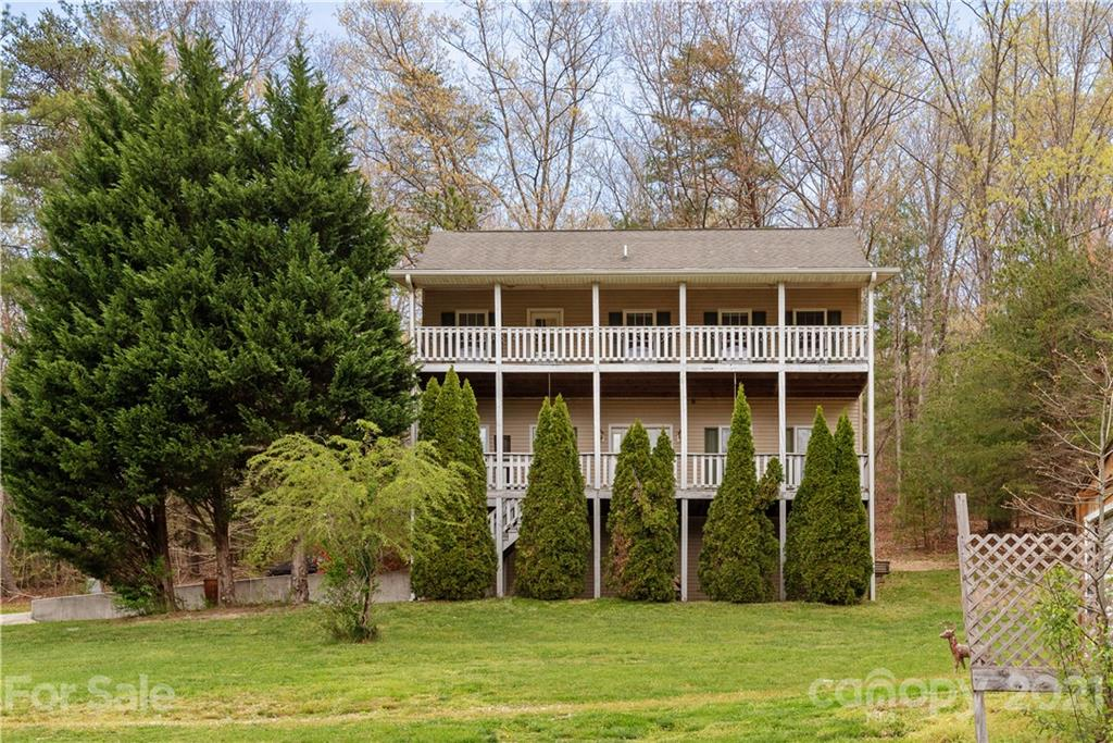 10 Country Road Hendersonville NC 28791