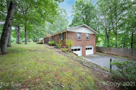 19 Brushwood Road Asheville NC 28804