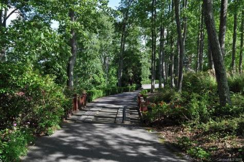 320 Chestnut Farms Lane Burnsville NC 28714