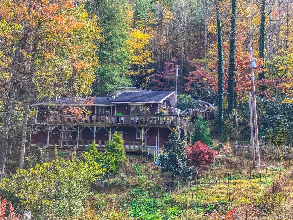 14 White Fox Trail Candler NC 28715
