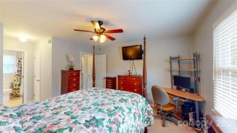 2 Marlwood Court Asheville NC 28804