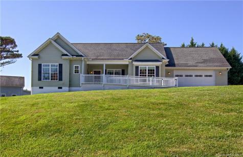 355 Hidden Meadow Drive Hendersonville NC 28792
