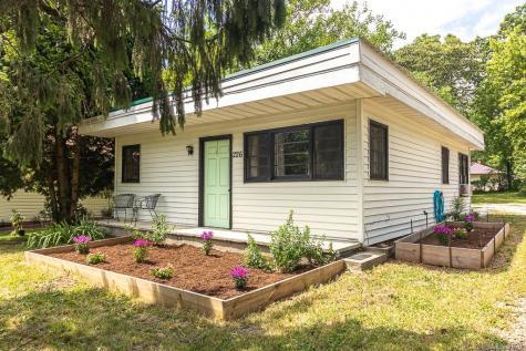 226 Substation Street Hendersonville NC 28792