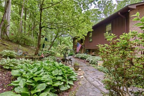 5 Scenic View Drive Hendersonville NC 28792