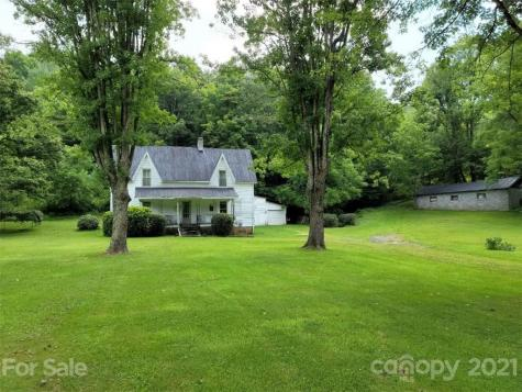 1796 Cane Creek Road Bakersville NC 28705