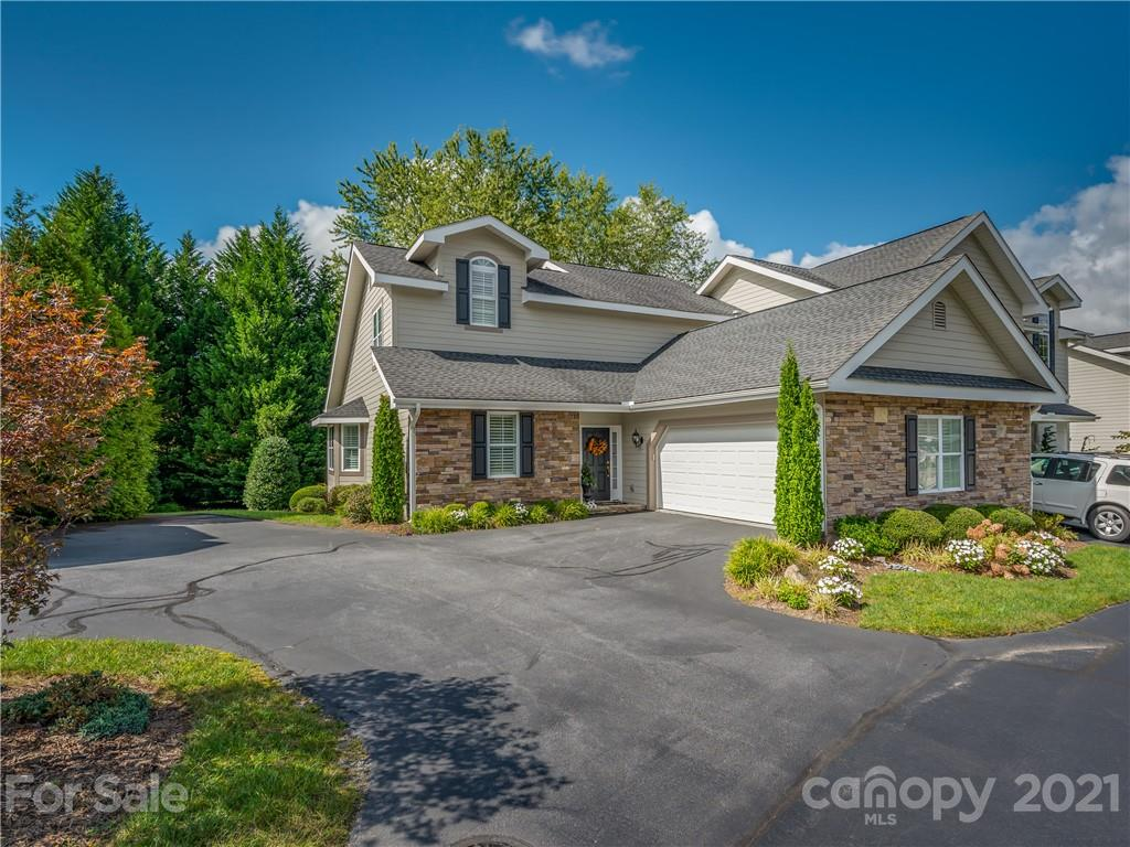 161 Towne Place Drive Hendersonville NC 28792
