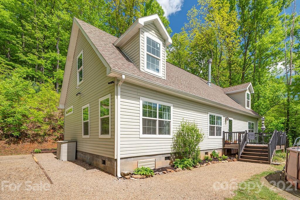 30 Boxturtle Road Candler NC 28715