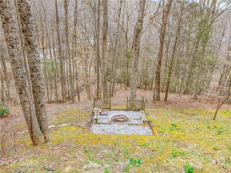 15 Shelton Branch Road Barnardsville NC 28709